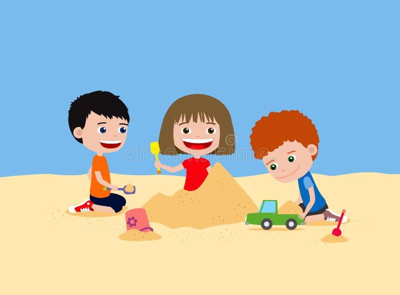 Счастливые дети играя с песком Замок песка здания в пляже или спортивной площадке иллюстрация штока
