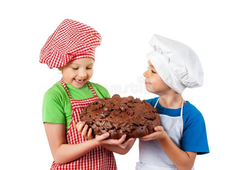 Счастливые дети с хлебом стоковое фото rf