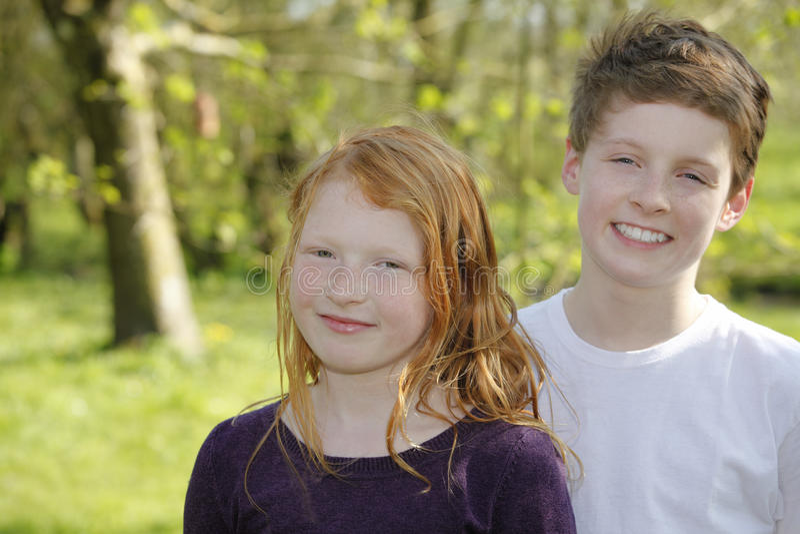 Счастливые дети стоковое изображение