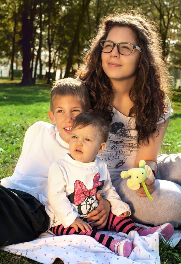Download Счастливые дети стоковое фото. изображение насчитывающей green - 41656016