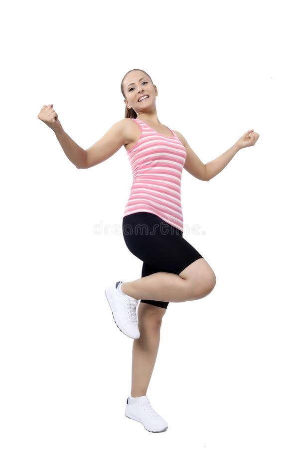 Счастливые танцы женщины танц-класса фитнеса стоковое изображение