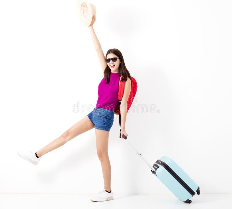 Счастливый азиатский женский изолированный путешественник стоковые фотографии rf