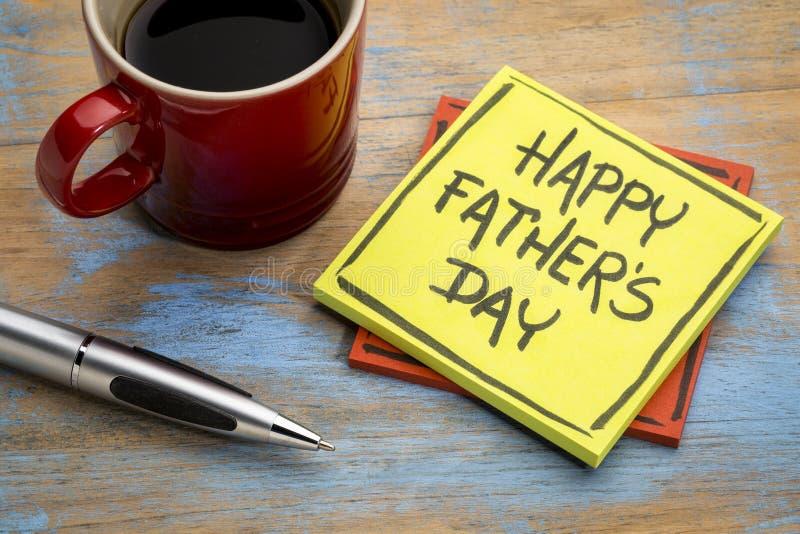 Счастливый день отца на липком примечании стоковая фотография rf