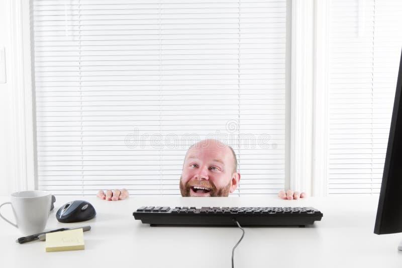 Счастливый и странный бизнесмен стоковые изображения