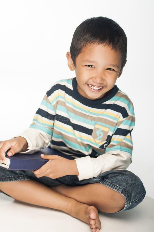 Счастливый мальчик стоковые фото