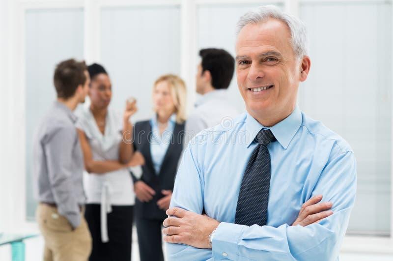 Счастливый старший бизнесмен стоковые изображения
