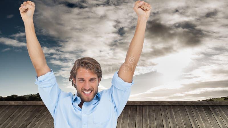 Счастливый человек празднуя успех с оружиями вверх бесплатная иллюстрация