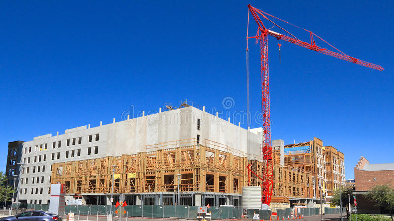 США, Аризона/Tempe: Новое кондо - раковина и кран здания стоковые фото