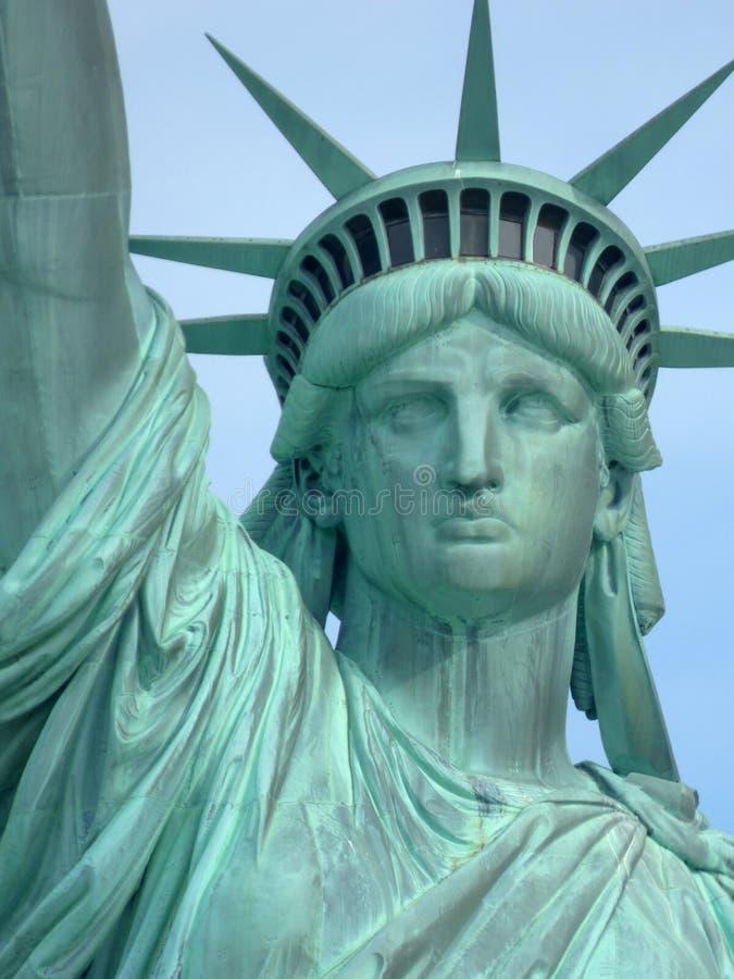 США Нью-Йорк заход солнца статуи newyork вольности города стоковые изображения