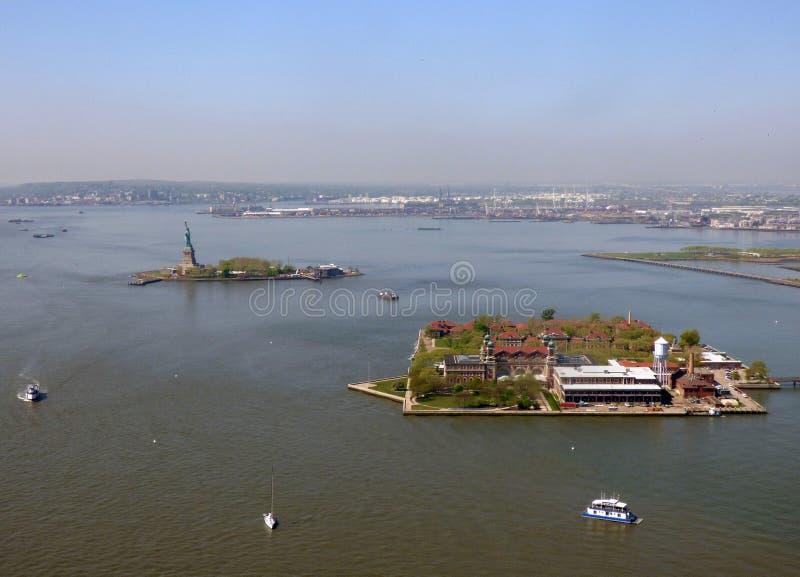 США Нью-Йорк Статуя свободы и остров Ellis стоковая фотография