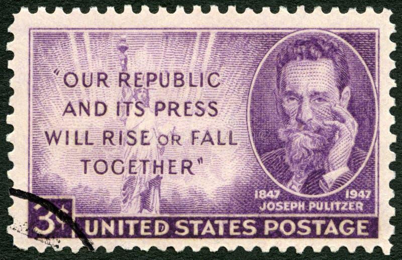 США - 1947: столетие 1847-1911, журналист рождения Иосиф Pulitzer шоу стоковое фото rf