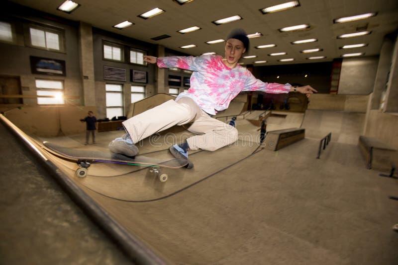 Съемка действия скейтбордиста стоковые изображения