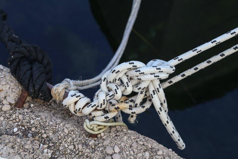 Съемка конца-вверх узла веревочки стоковые изображения rf