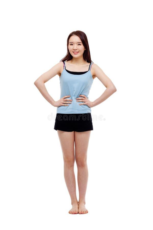 Съемка молодой азиатской женщины полная стоковое изображение rf