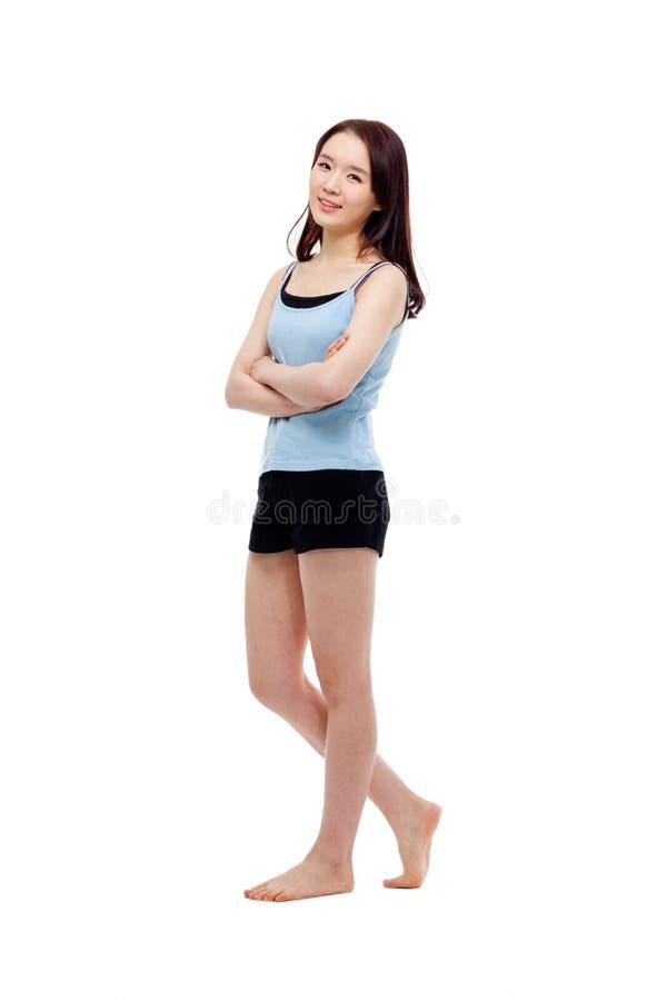 Съемка молодой азиатской женщины полная стоковое изображение