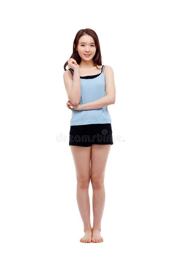 Съемка молодой азиатской женщины полная стоковая фотография