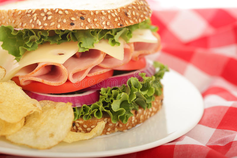 съемка сандвича ветчины сыра горизонтальная стоковая фотография rf