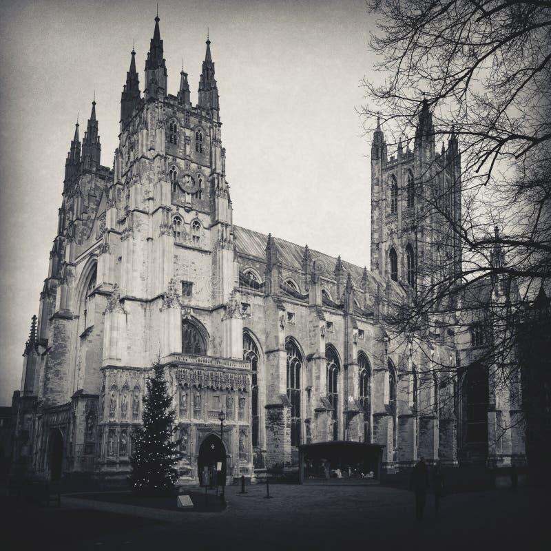 Съемка собора Кентербери в черно-белом стоковое фото