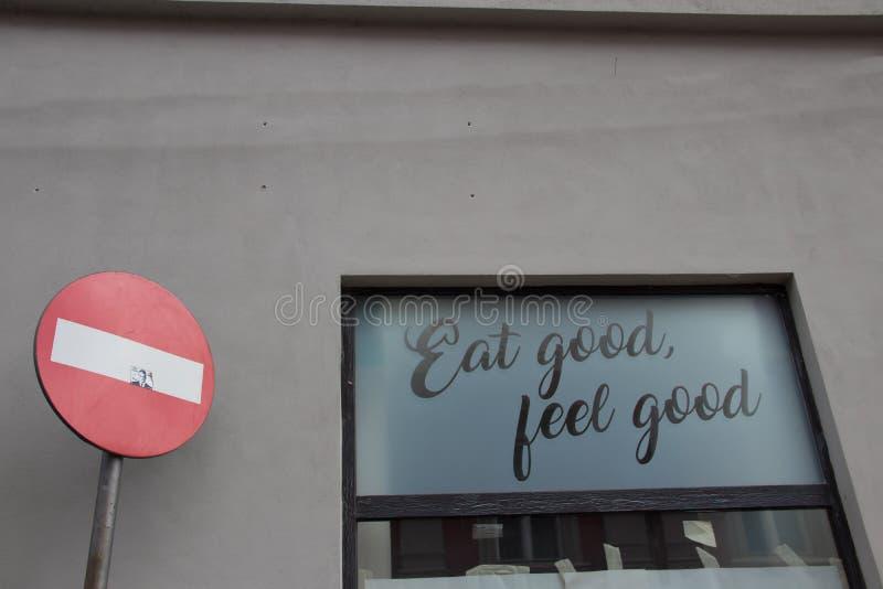 Съешьте хорошее, почувствуйте хорошая, здоровая еда стоковое изображение rf