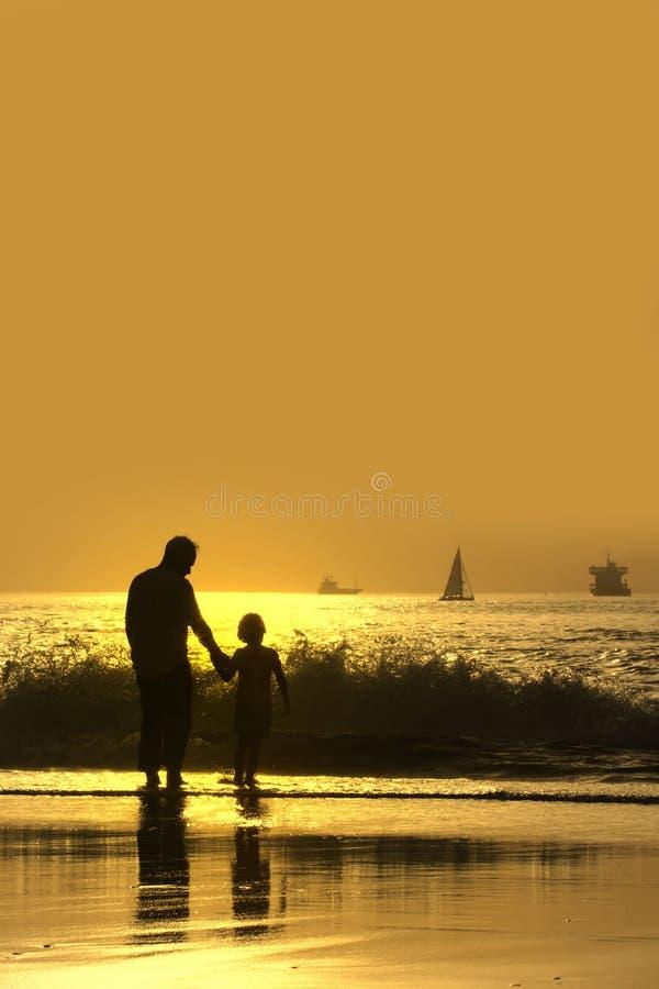 сынок отца пляжа стоковое фото