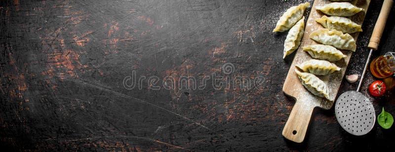 Сырцовые вареники gedza с говядиной стоковое фото