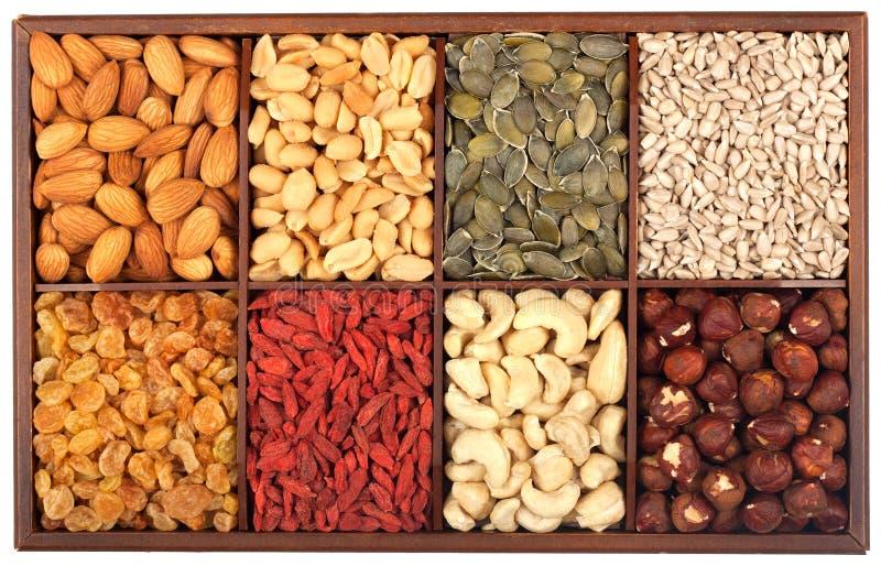 Сырцовые гайки и семена стоковое фото