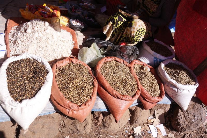 Сырцовые кофейные зерна стоковые фото