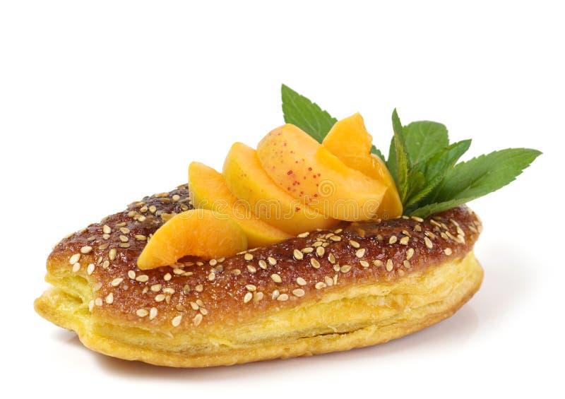 Сырцовый абрикос и вкусный торт стоковая фотография rf