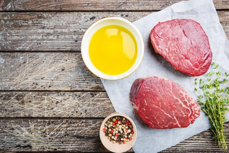 Сырцовый мраморизованный стейк мяса стоковая фотография rf