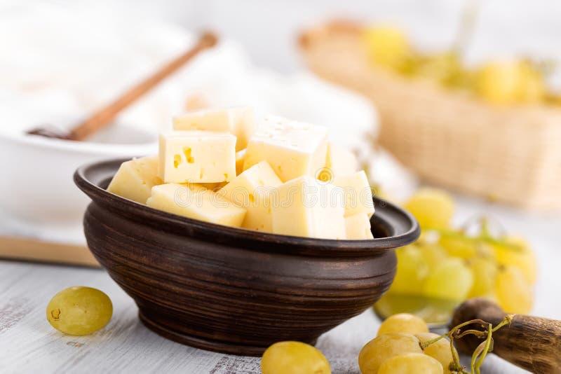 Сыр и виноградина стоковые фото
