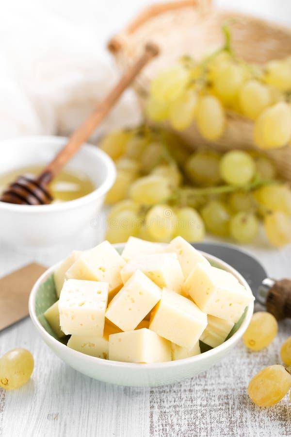 Сыр и виноградина стоковое изображение