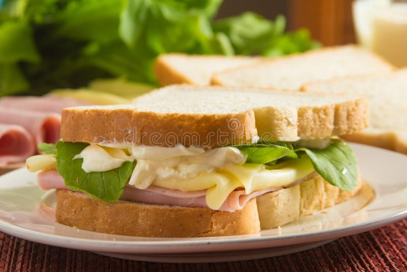 Сыр и сэндвич с ветчиной стоковые фотографии rf