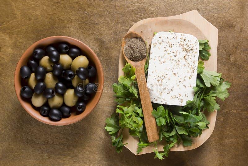 Сыр и травы фета стоковые фотографии rf
