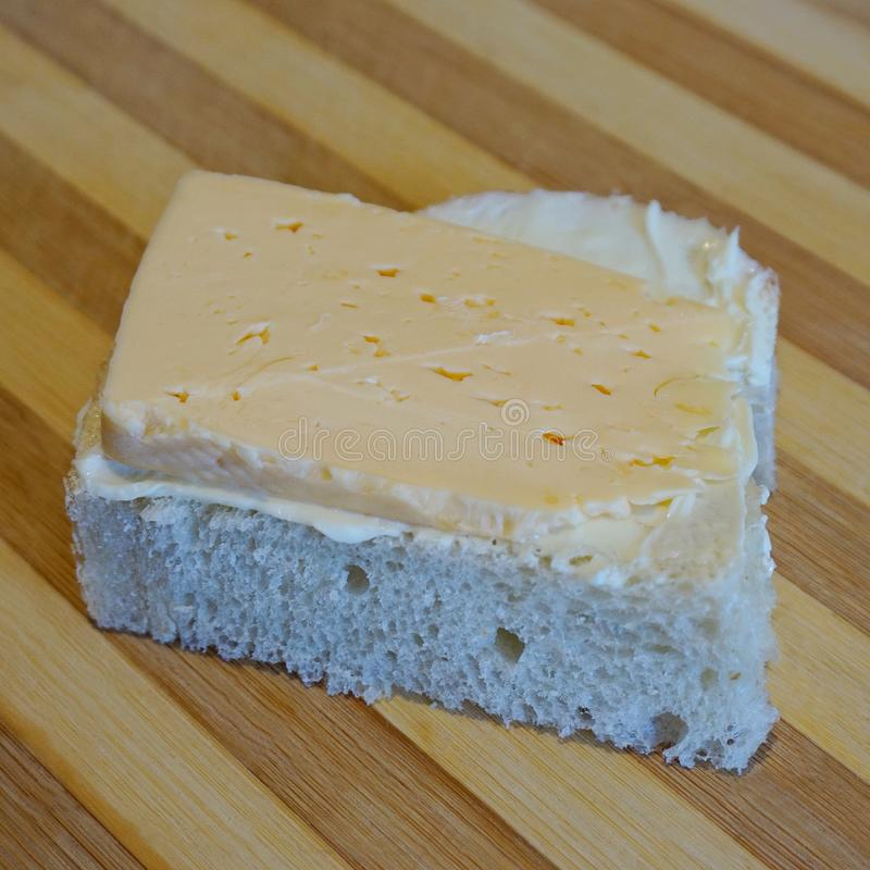 Сыр масла хлебца хлеба сандвича завтрака стоковые изображения rf