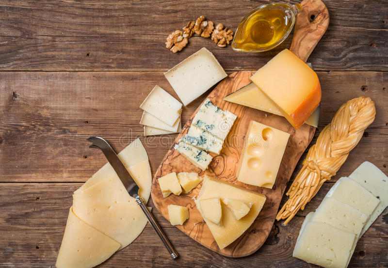 сыр печатает различное на машинке стоковое фото