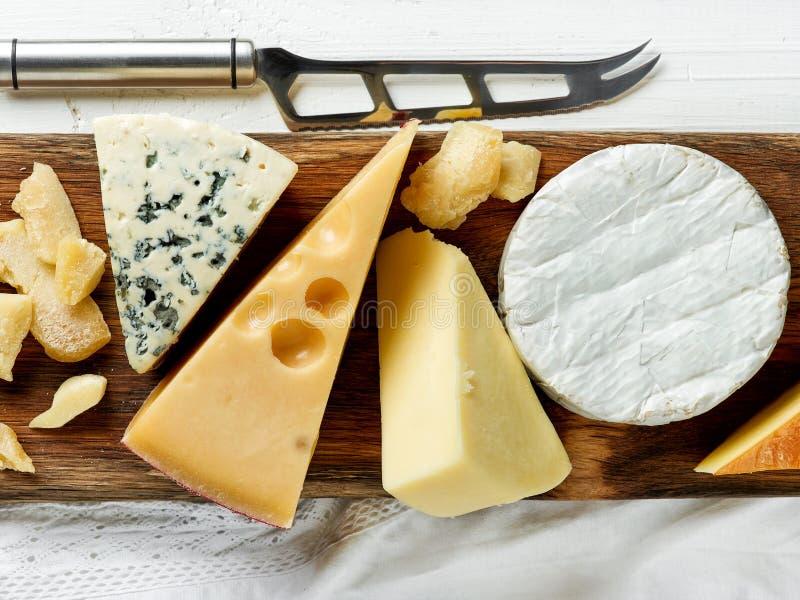 сыр печатает различное на машинке стоковые фото