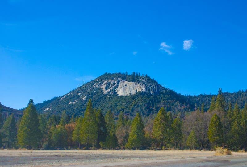 Сьерра-невада горная цепь в западном объединенном Stat стоковые фото