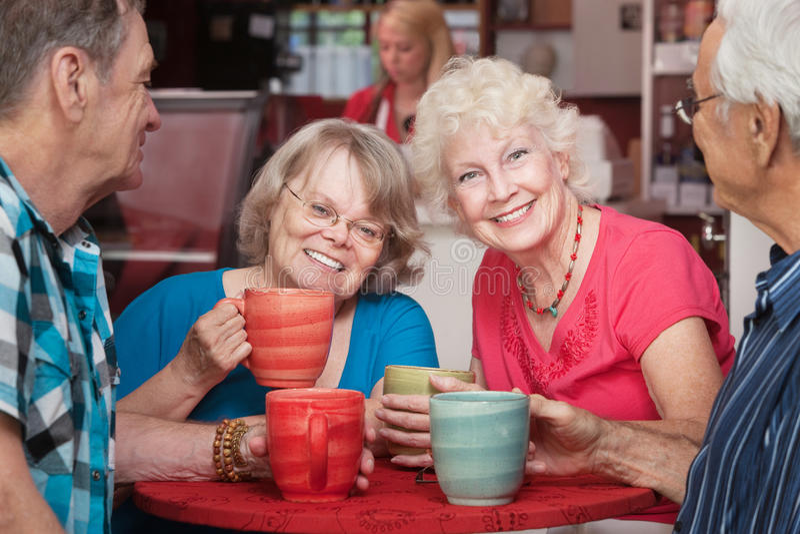 Сь старшие дамы стоковое фото