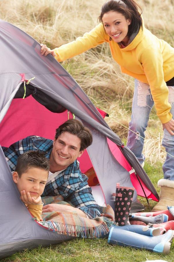 сь шатер праздника семьи внутренний ослабляя стоковые фотографии rf