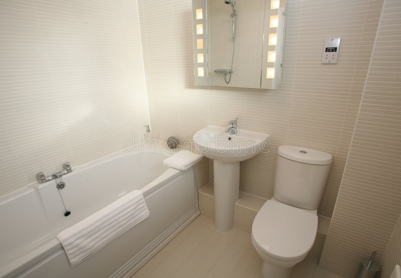 сюита ванной комнаты нутряная самомоднейшая стоковая фотография