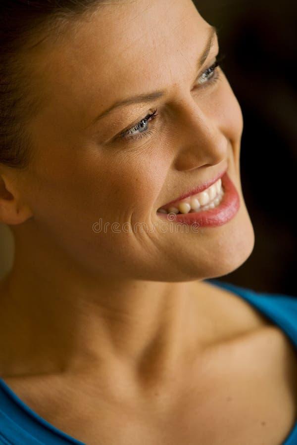 Славная счастливая женщина стоковые изображения