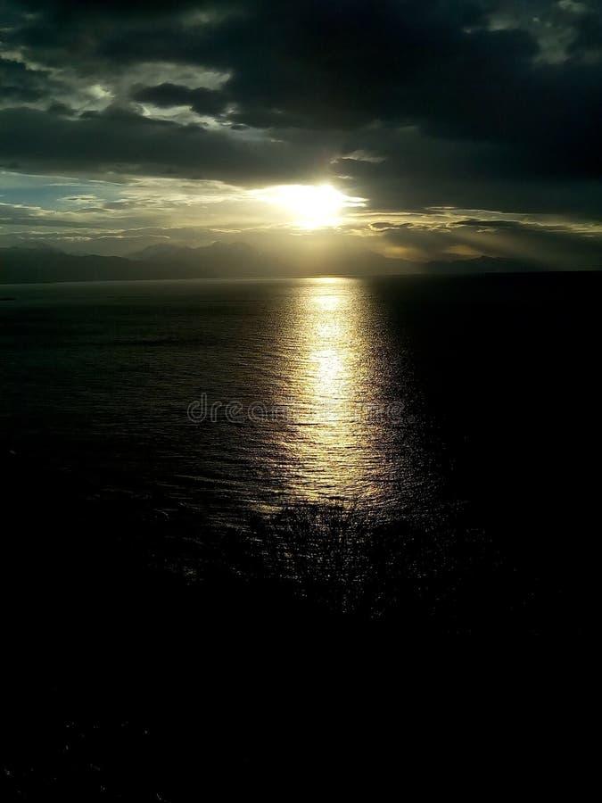 славный заход солнца стоковые фото