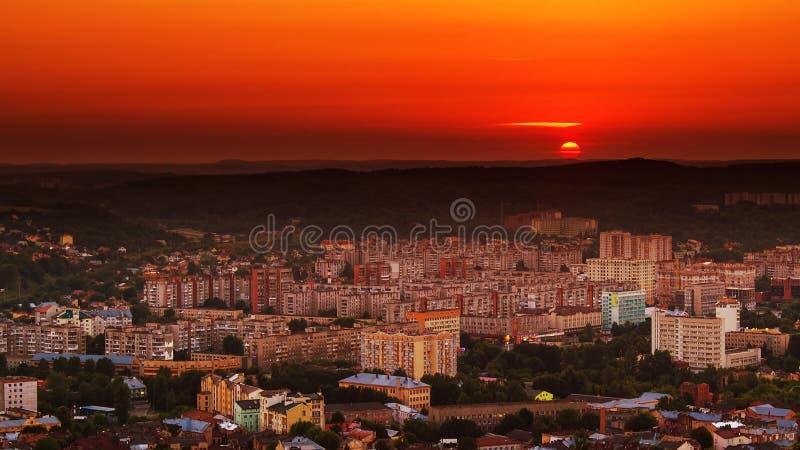 Славный пейзаж Львова, взгляд захода солнца от высокого замка Украина стоковые фотографии rf