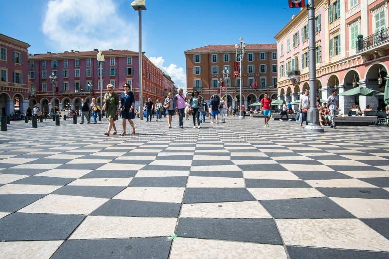 Славный, Франция - 19-ое мая 2017 - Checkered пол квадрата Massena стоковые фотографии rf