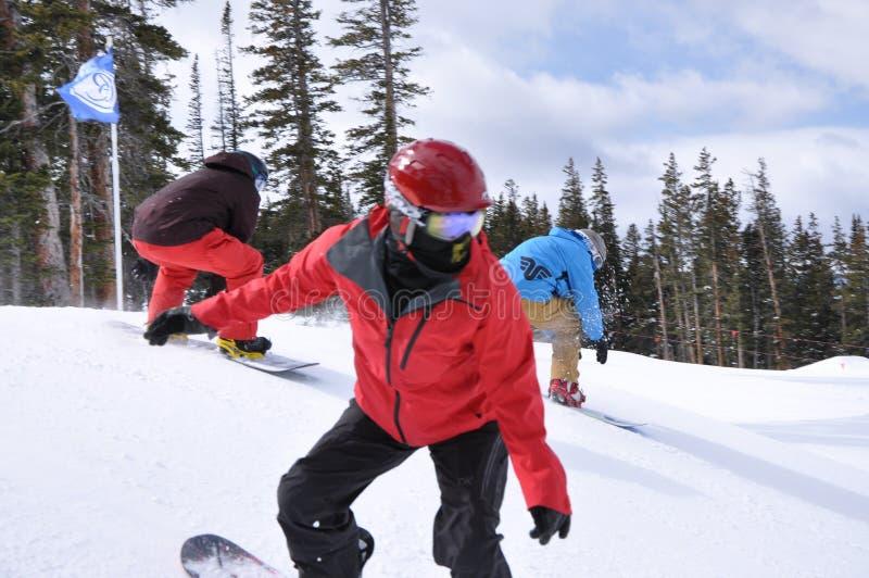 Сладостная встреча: Snowboarders мечтают, Beaver Creek, курорты Vail, Колорадо стоковая фотография rf