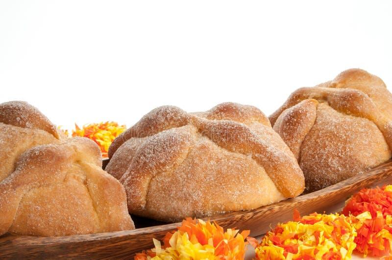 Сладостный вызванный хлеб (Лоток de Muerto) стоковые фото