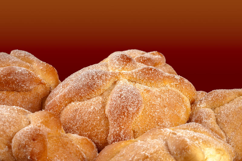 Сладостный вызванный хлеб (Лоток de Muerto) стоковое фото rf
