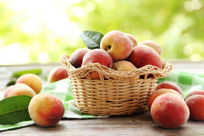 Сладостный плодоовощ персика стоковая фотография