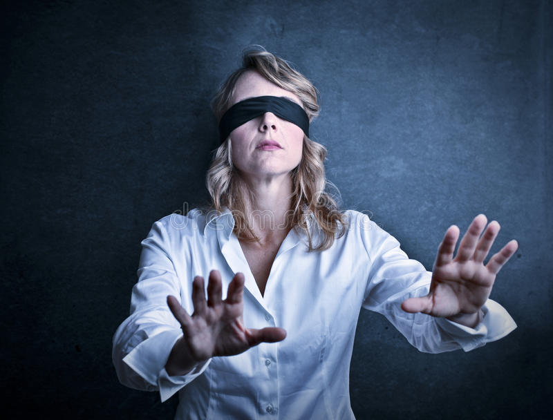 Слепая женщина стоковое изображение