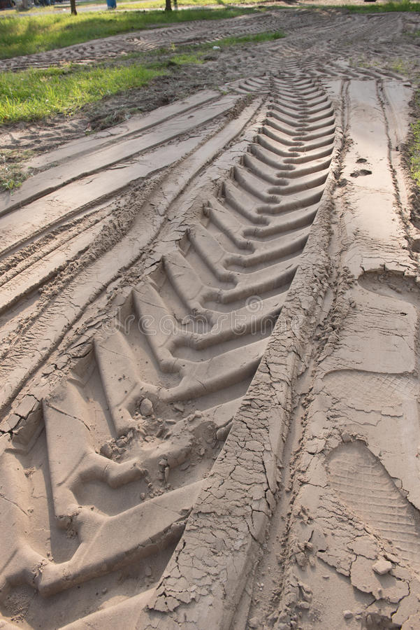 Следы автошины на песке стоковое фото rf